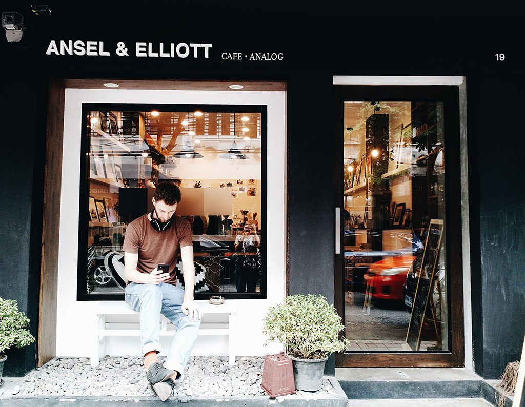 best-cafes-in-bangkok-ansel-and-elliot-03-hippiedreamer